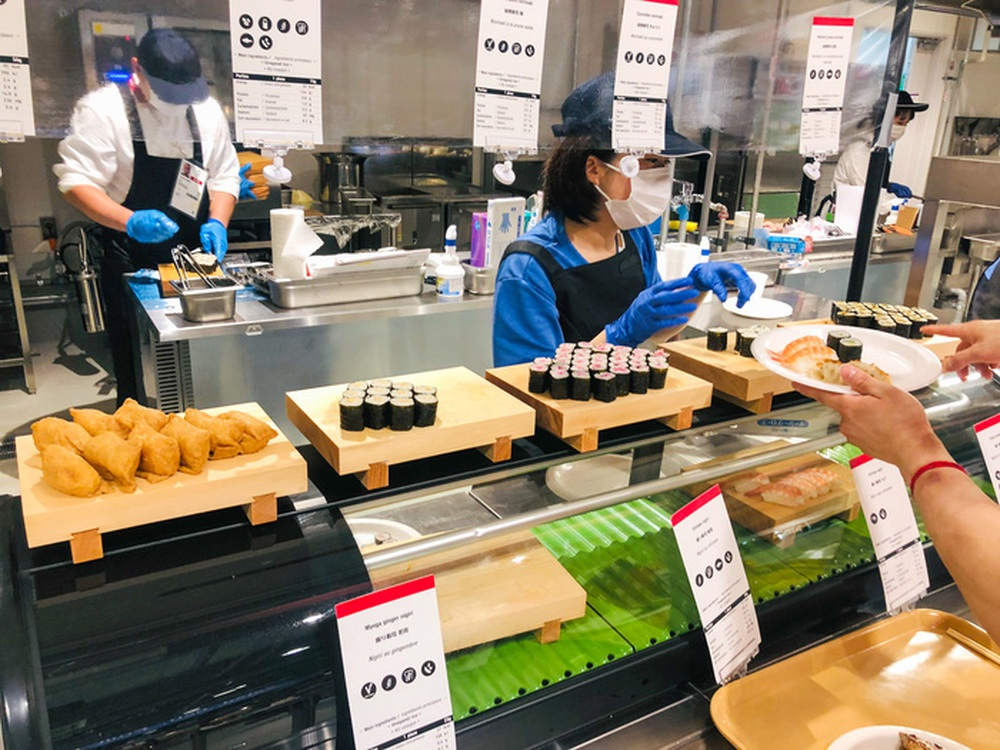 Cận cảnh nhà ăn Olympic 2020 siêu lớn: Phục vụ 3000 người cùng lúc, 700 món ăn mỗi bữa - Ảnh 5.
