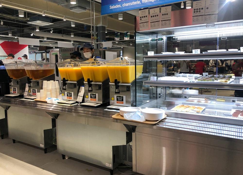 Cận cảnh nhà ăn Olympic 2020 siêu lớn: Phục vụ 3000 người cùng lúc, 700 món ăn mỗi bữa - Ảnh 9.