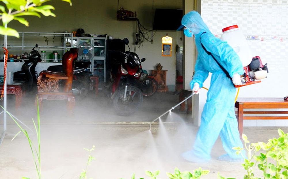 Long An: Hơn 1.400 ca mắc Covid-19 chưa cấp mã số; Đoàn cán bộ y tế Bắc Giang tới trong đêm hỗ trợ chống dịch