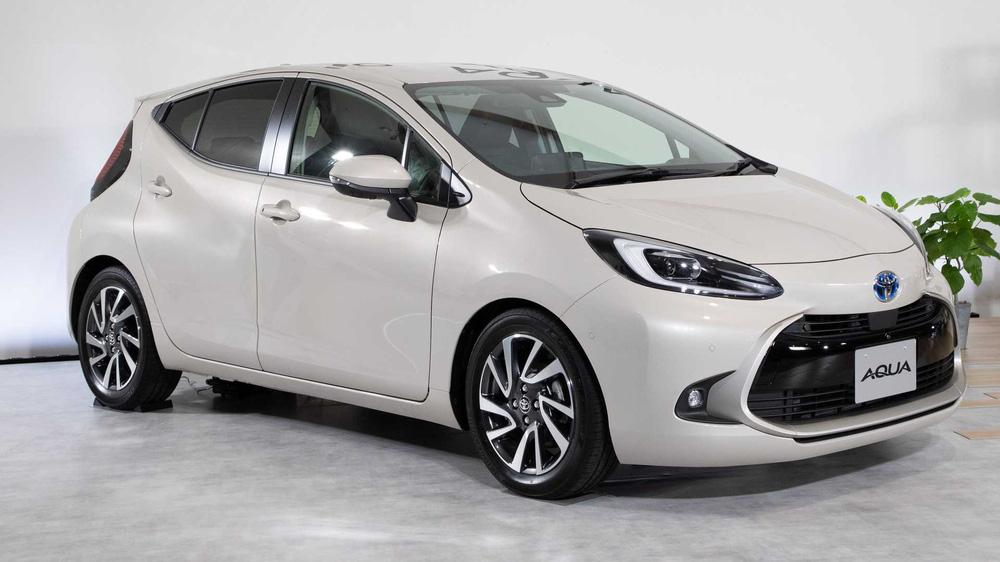 Toyota trang bị gì cho mẫu xe 400 triệu, uống ít xăng đáng kinh ngạc 2,79 lít/100 km? - Ảnh 2.
