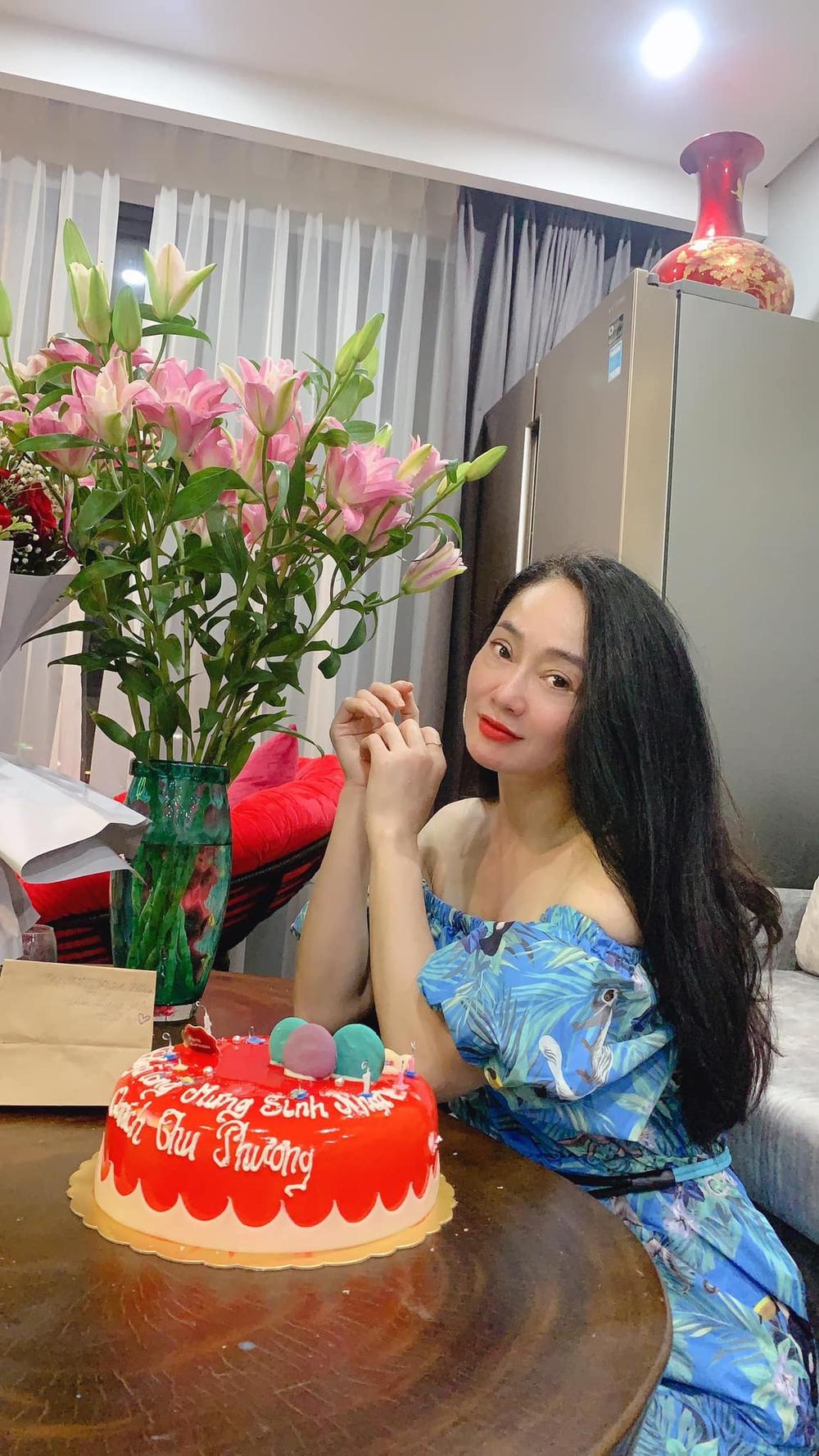 Nhan sắc U45 đài các nhưng không kém phần gợi cảm của bà Xuân Hương vị tình thân - Ảnh 9.