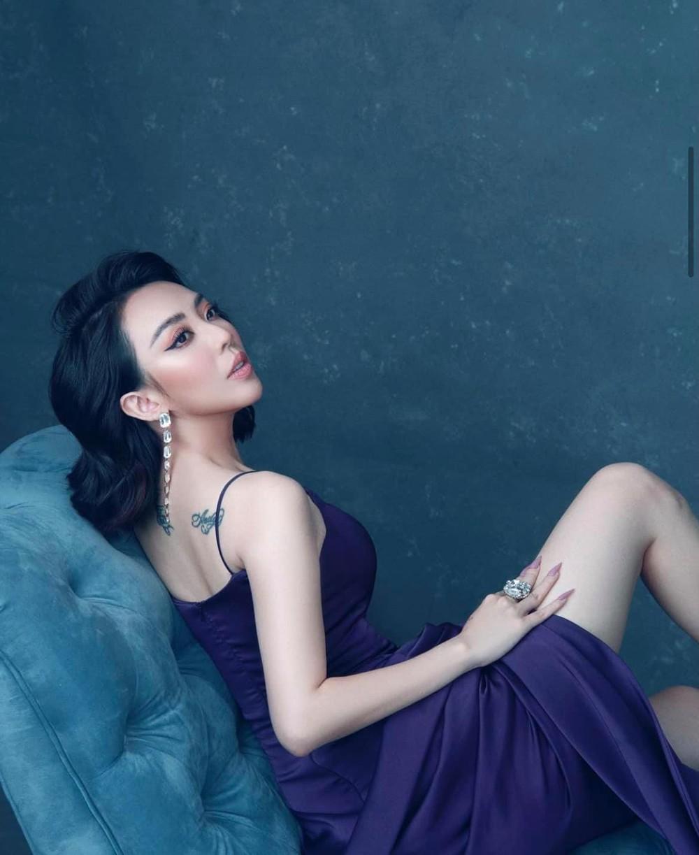 Bất ngờ với vẻ đẹp gợi cảm của Hoa hậu làng hài - Ảnh 3.