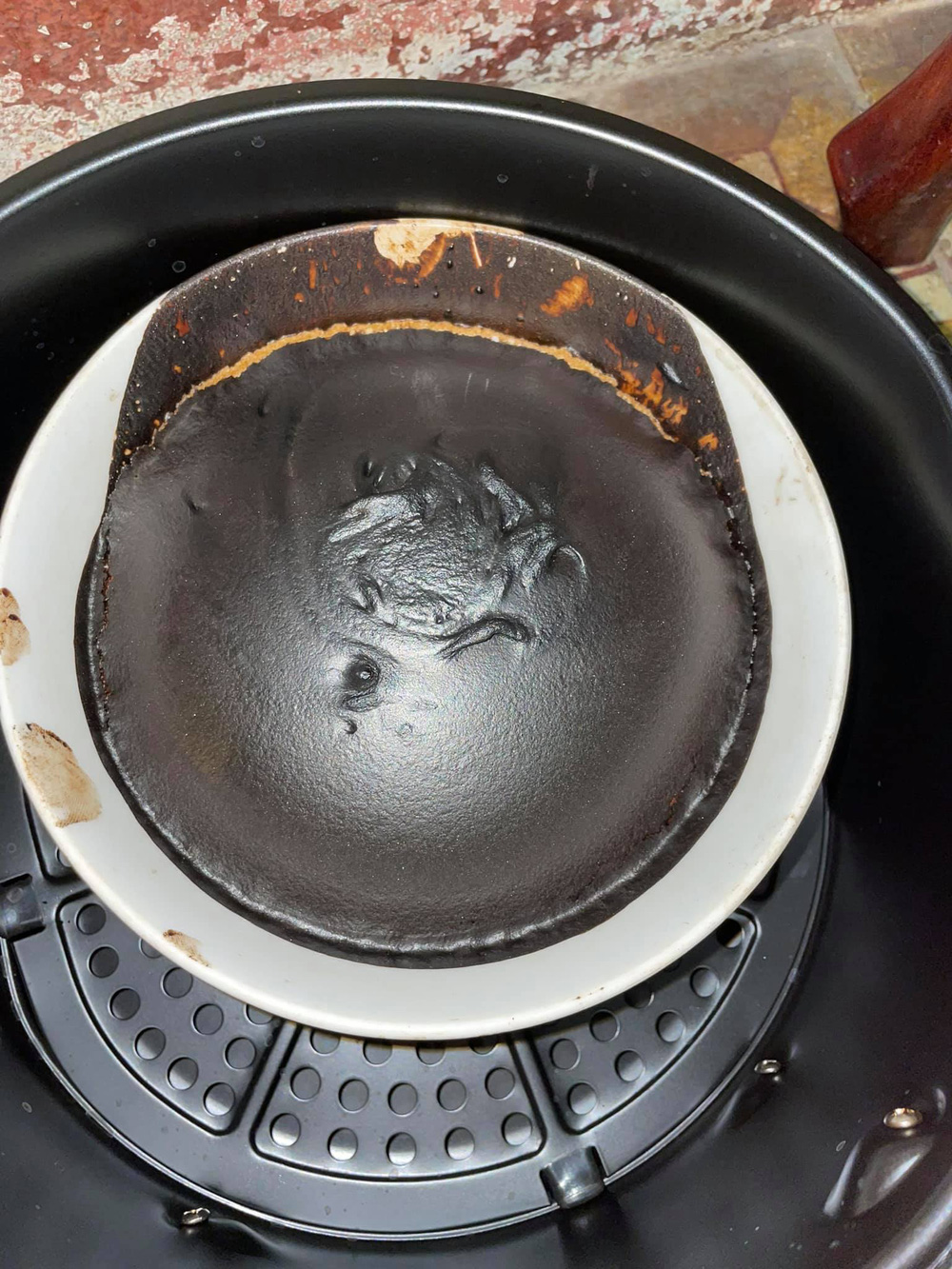 Ở nhà mùa dịch, hội chị em khoe thành quả phá bếp, ai nhìn cũng thất kinh trước món ăn thảm họa - Ảnh 4.