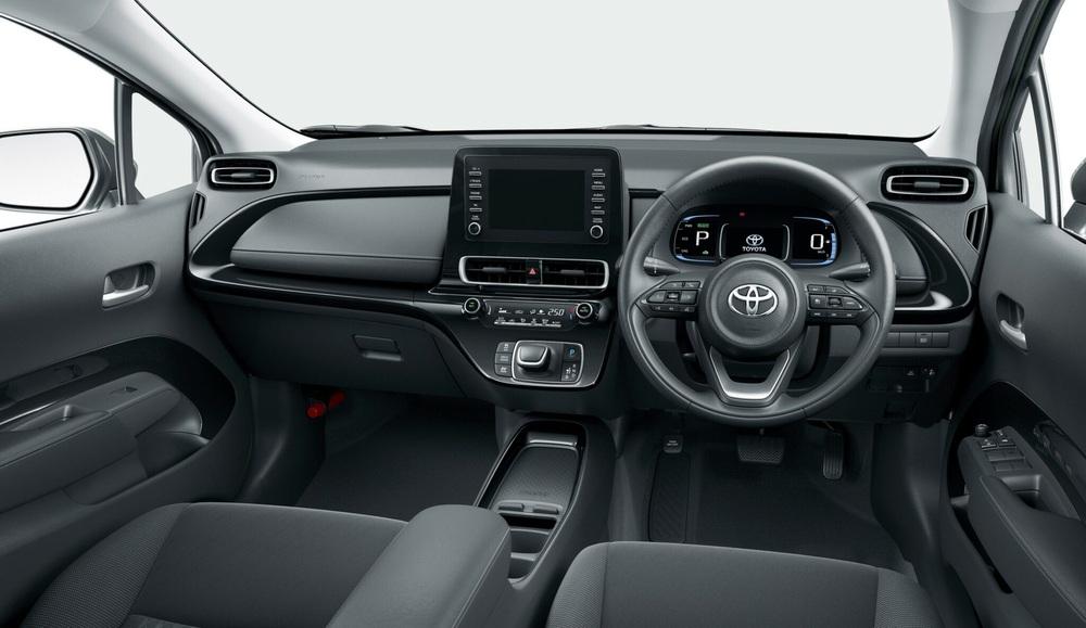 Toyota trang bị gì cho mẫu xe 400 triệu, uống ít xăng đáng kinh ngạc 2,79 lít/100 km? - Ảnh 4.