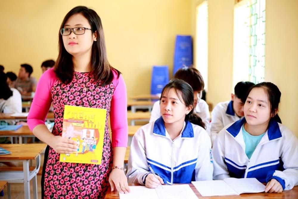 Đại biểu quốc hội 9x Hà Ánh Phượng, top 10 giáo viên toàn cầu nói về ngày đầu tiên ở nghị trường - Ảnh 2.