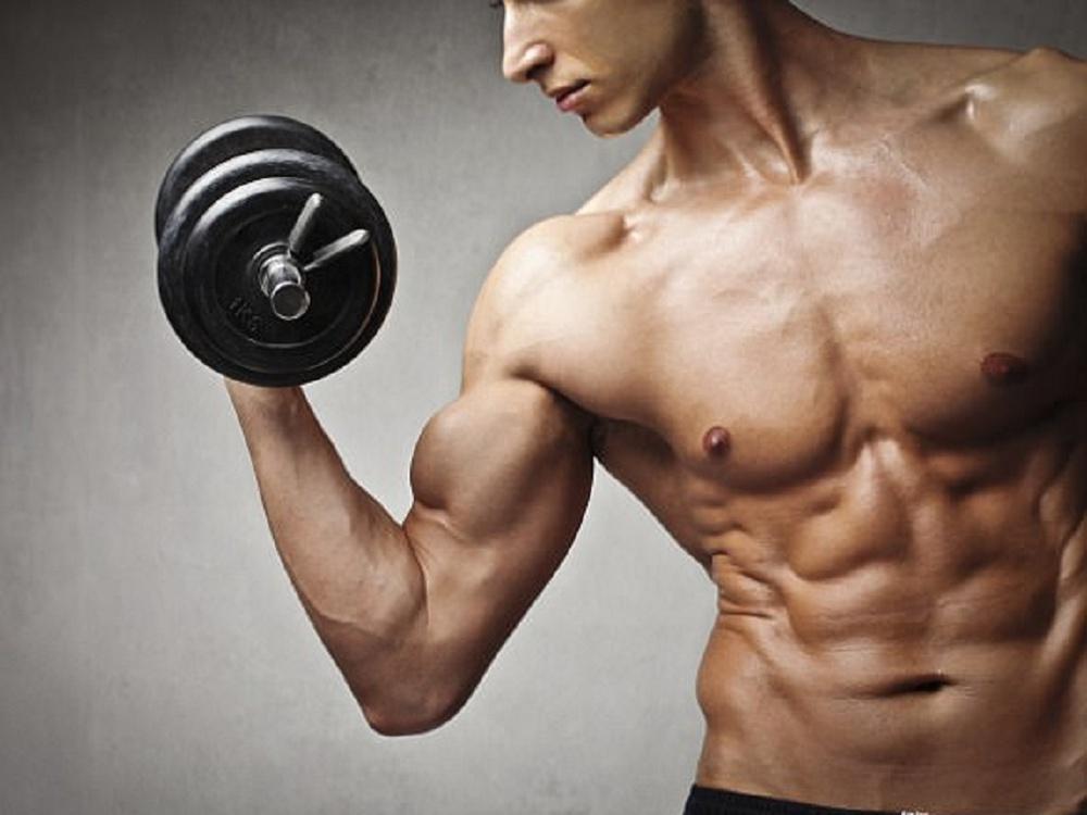 """Bài tập cho nam giới """"đốt mỡ"""" nhanh, căng cơ khỏe thực hiện được ở mọi lúc, mọi nơi - Ảnh 1."""