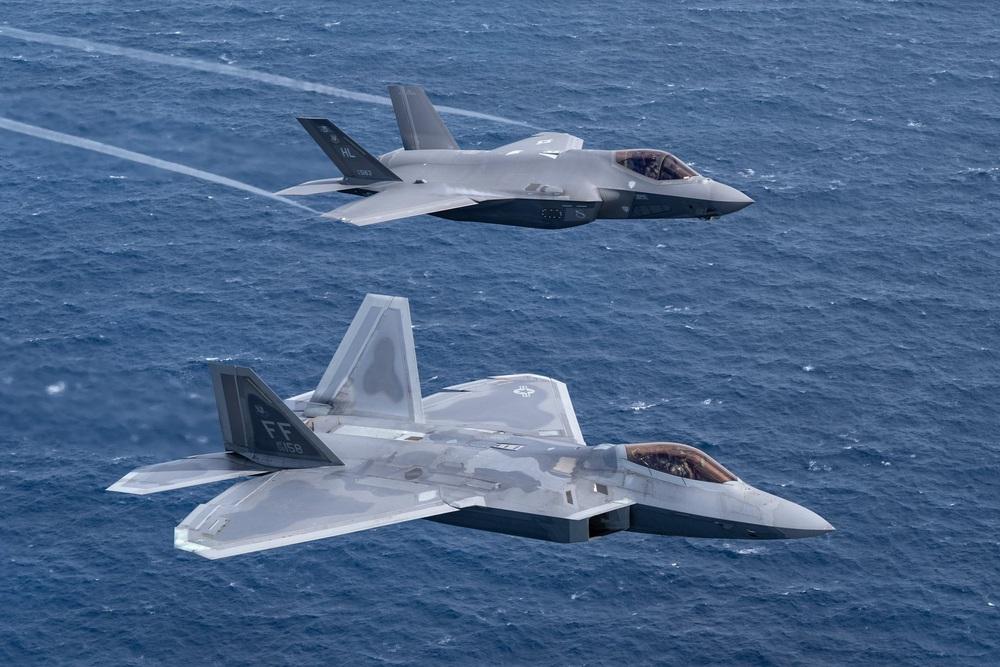 Tung một lúc 25 tiêm kích F-22, Mỹ tính làm cuộc săn cuối cùng nhằm vào J-20 Trung Quốc? - Ảnh 1.