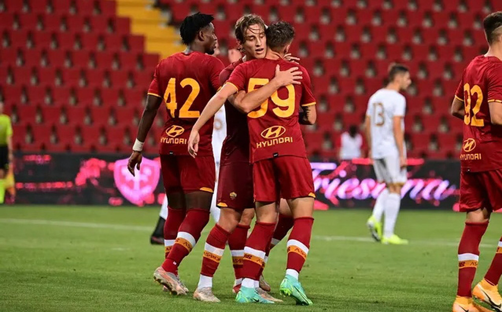 Roma thắng trận thứ 3 liên tiếp dưới thời Mourinho