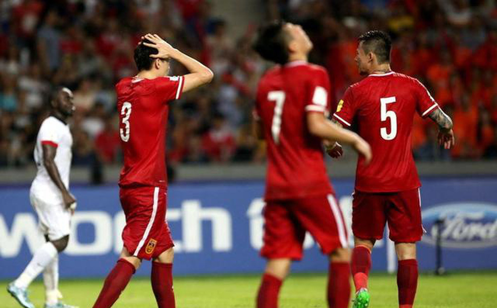 """Chê bóng đá Việt Nam nghèo, bóng đá Trung Quốc hoá ra lại… """"lắm tiền nhiều tật"""""""