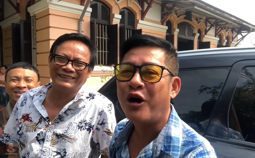 Nghệ sĩ Tấn Hoàng nói về chuyện có biệt thự to, ở 12 căn nhà nhưng vẫn than nghèo kể khổ