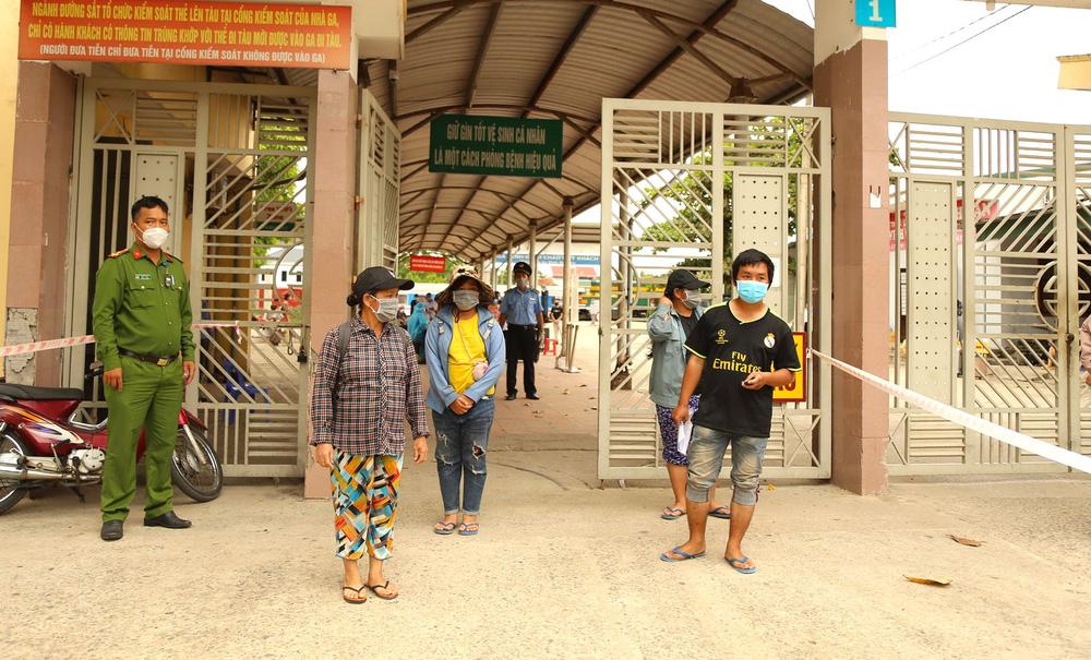 Gia đình 4 người đạp xe từ Đồng Nai đã về đến quê ở Nghệ An an toàn - Ảnh 8.