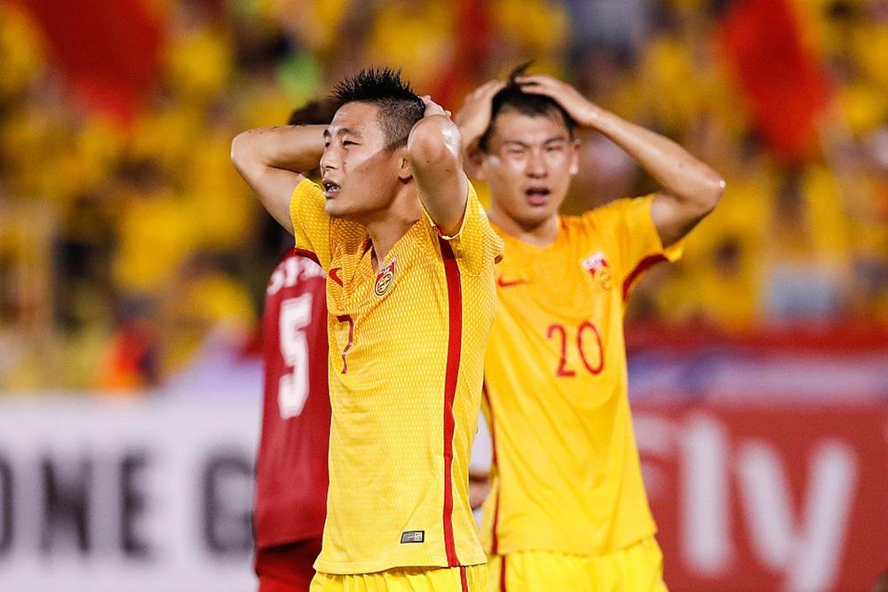 """Báo Trung Quốc thừa nhận: """"Tuyển Trung Quốc vào World Cup là điều phi lý nhất"""" - Ảnh 1."""