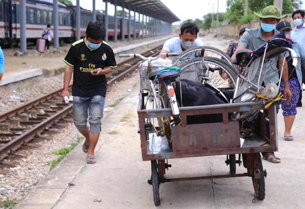 Gia đình 4 người đạp xe từ Đồng Nai đã về đến quê ở Nghệ An an toàn - Ảnh 4.
