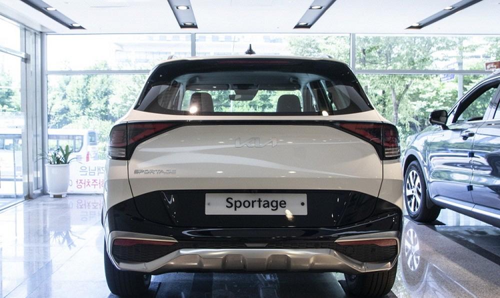 Chi tiết đến từng centimet chiếc Kia Sportage 2022 giá 500 triệu vừa về đại lý - Ảnh 11.