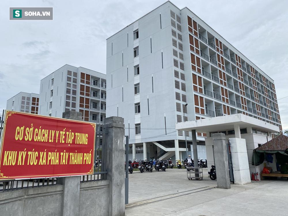 Cận cảnh Bệnh viện dã chiến Đà Nẵng hoàn thành sau 3 ngày xây dựng vừa đưa vào hoạt động - Ảnh 2.