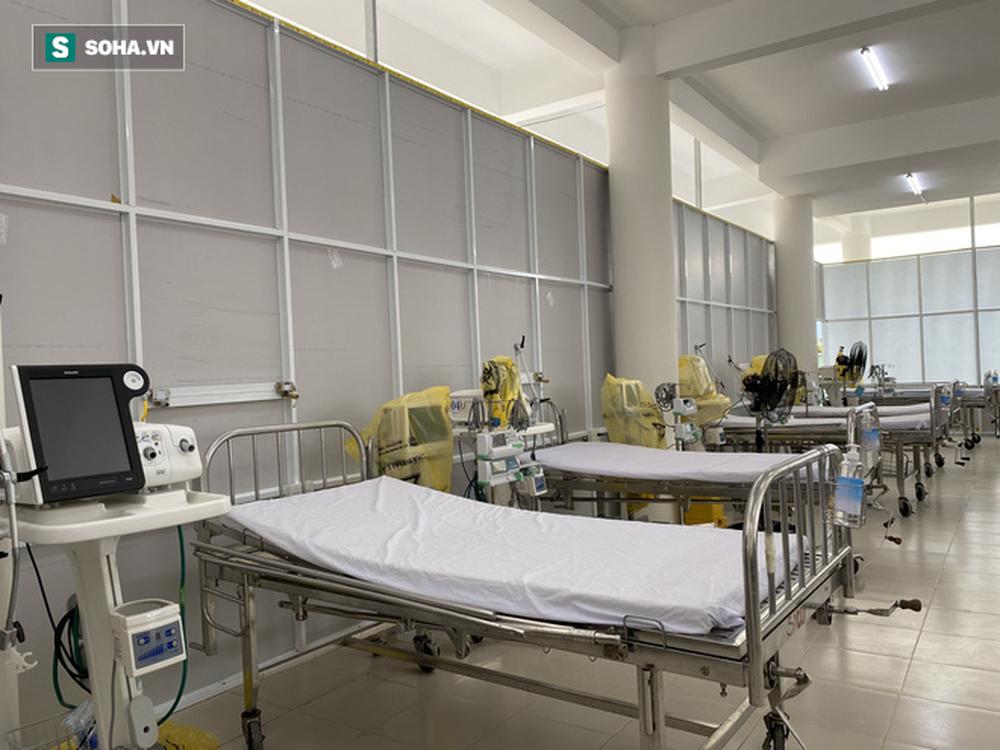 Cận cảnh Bệnh viện dã chiến Đà Nẵng hoàn thành sau 3 ngày xây dựng vừa đưa vào hoạt động - Ảnh 9.