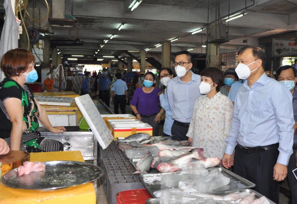Toàn TP. HCM chỉ còn 32 chợ truyền thống hoạt động, Sở Công Thương gửi công văn khẩn - Ảnh 1.
