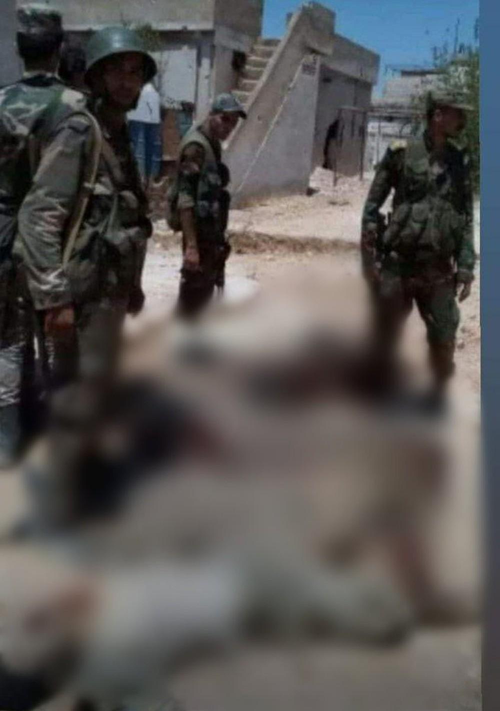 Nga không kích, khủng bố tấn công trả đũa, nhiều sĩ quan thiệt mạng - Ảnh 1.