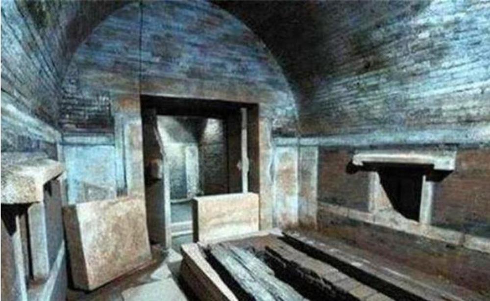 Bước vào lăng mộ thái giám Lý Liên Anh, đội khảo cổ chết khiếp vì cảnh tượng ám ảnh bên trong quan tài! - Ảnh 2.