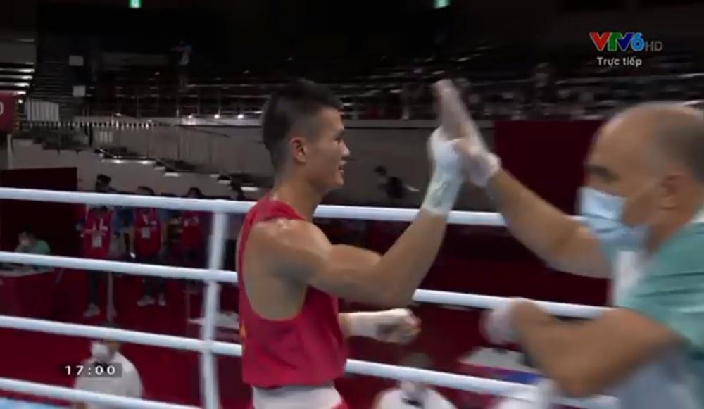 Võ sĩ Việt Nam thắng nghẹt thở trong sự ngỡ ngàng của đối thủ ở Olympic - Ảnh 4.