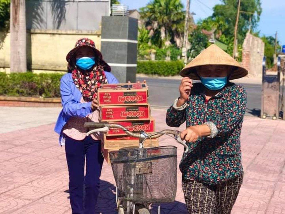 Chủ tịch UBND tỉnh Hà Tĩnh Võ Trọng Hải nói về việc vợ chồng ca sĩ Thủy Tiên phân phối hàng cứu trợ - Ảnh 2.