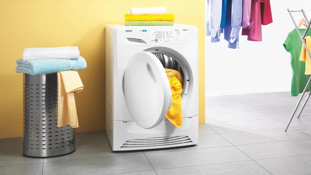 7 sai lầm khi giặt sấy tại nhà khiến bạn tốn kém hơn cả mang quần áo ra tiệm giặt - Ảnh 2.