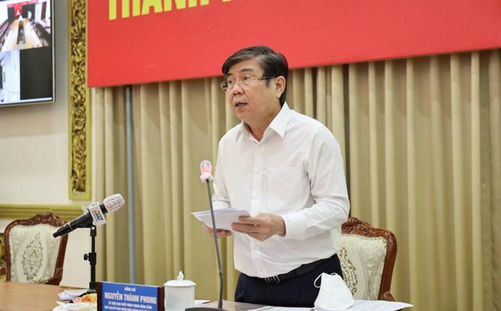 Chủ tịch TPHCM: 'Nhiệm vụ chính hiện nay là giảm F0, số ca tử vong'