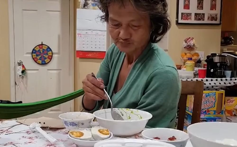 Em họ hé lộ cuộc sống của Kim Ngân: Mặc đẹp, khiêu vũ giỏi nhưng ăn uống sơ sài