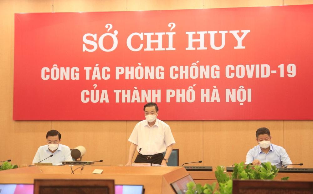 Ngày đầu giãn cách vẫn đông, Hà Nội yêu cầu xử phạt nghiêm người ra đường không vì mục đích thiết yếu