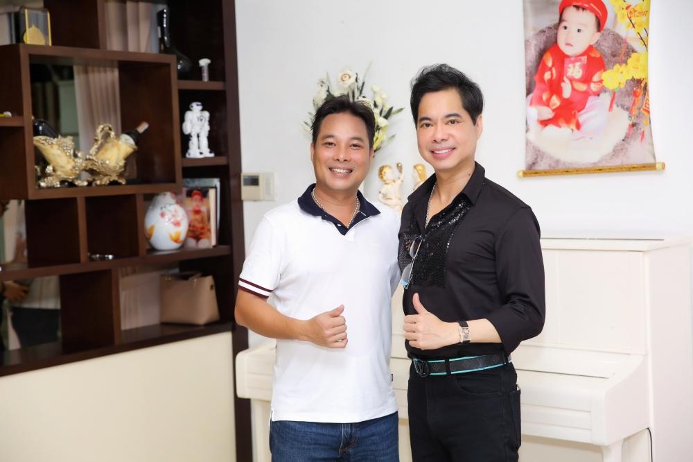 Em trai danh ca Ngọc Sơn: Là ca sĩ đình đám nhưng bỏ hát làm kinh doanh, thành tỷ phú, sở hữu cơ ngơi đồ sộ - Ảnh 3.
