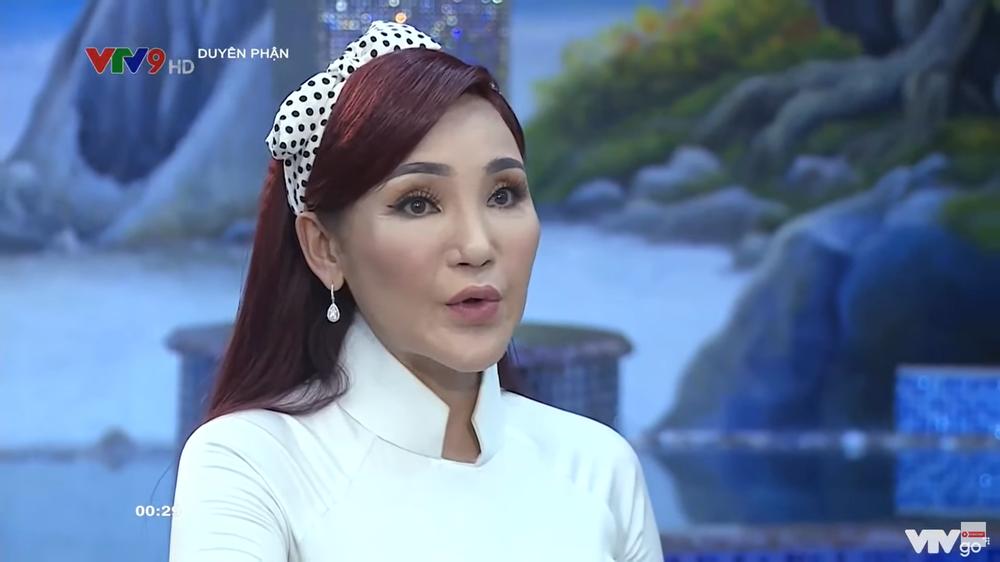 Ca sĩ Cát Tuyền: 13 tuổi đã muốn làm con gái, 14 tuổi bỏ nhà đi - Ảnh 1.