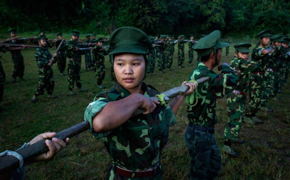 Bất ngờ: Trung Quốc vừa chuyển vaccine COVID-19 đến Yangon, vừa cung cấp cho nhóm vũ trang thiểu số Myanmar?