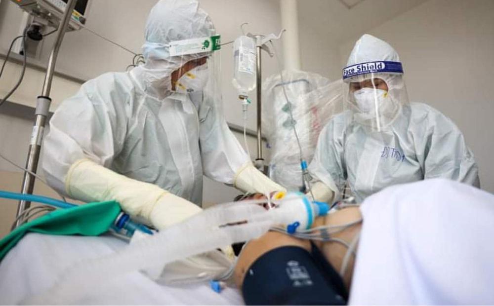 2 nhóm người có nguy cơ diễn tiến nặng, tỷ lệ tử vong cao khi mắc Covid-19