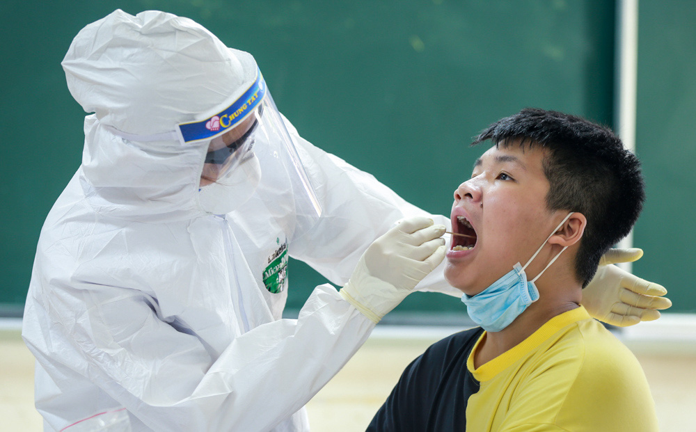 Hà Nội: Phát hiện thêm 24 ca dương tính SARS-CoV-2, ở 8 quận, huyện, thị xã