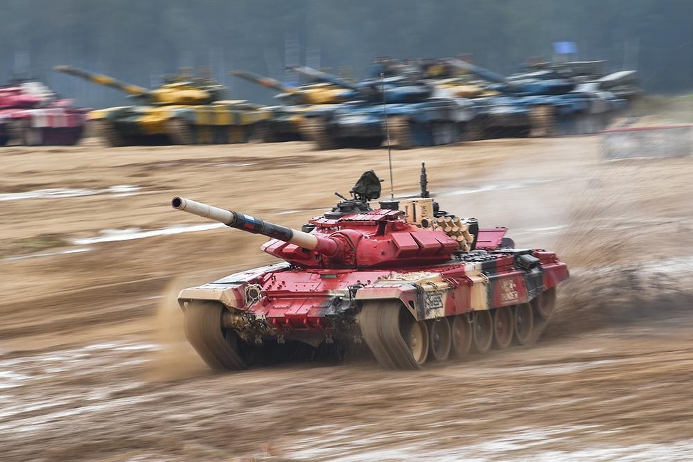 Xe tăng hàng thửa: Vũ khí bá đạo tại Tank Biathlon 2021 - Ảnh 1.