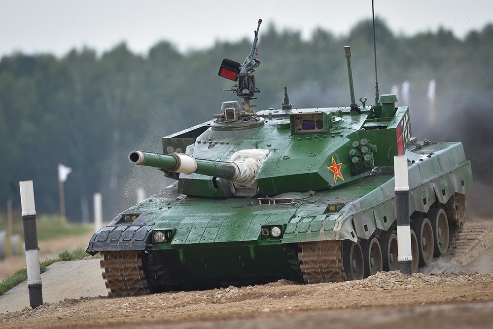 Xe tăng hàng thửa: Vũ khí bá đạo tại Tank Biathlon 2021 - Ảnh 3.