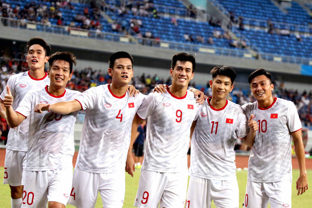 Lên gân: Trung Quốc sẽ thắng Việt Nam đủ 2 trận, báo Trung Quốc nhận bình luận sấp mặt - Ảnh 1.