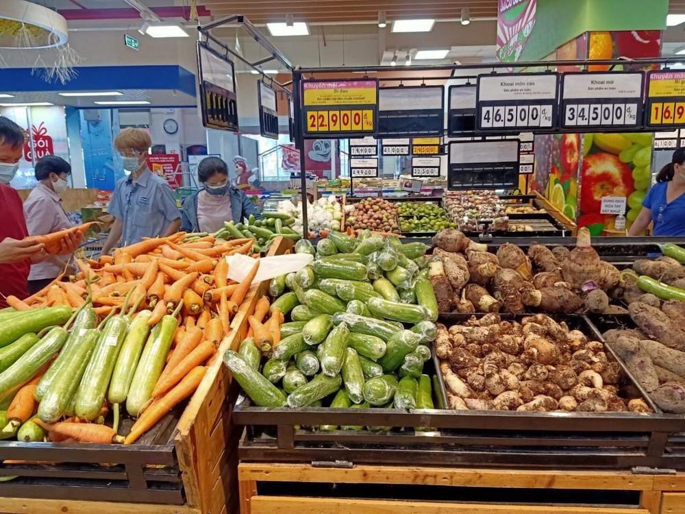 Cảnh báo thừa khoai lang tím, dưa leo, gà lông trắng và nhiều loại nông sản ở các tỉnh phía Nam - Ảnh 1.