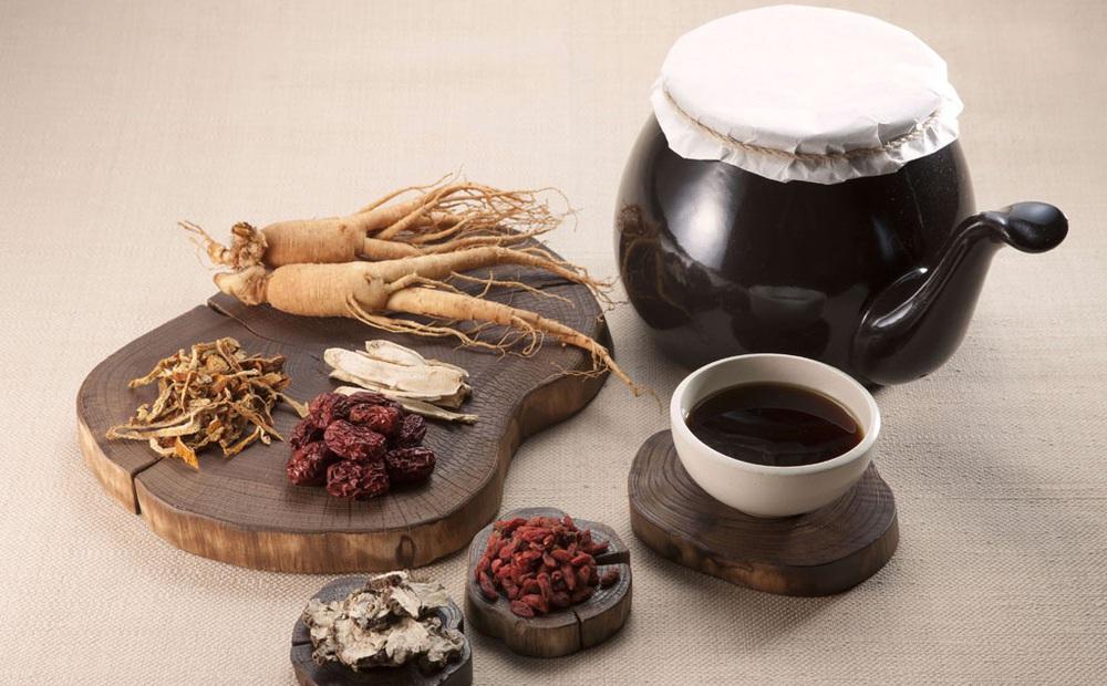 Bài thuốc Đông y mà Trung Quốc dùng cho người nhiễm Covid-19 không có triệu chứng gồm những gì?