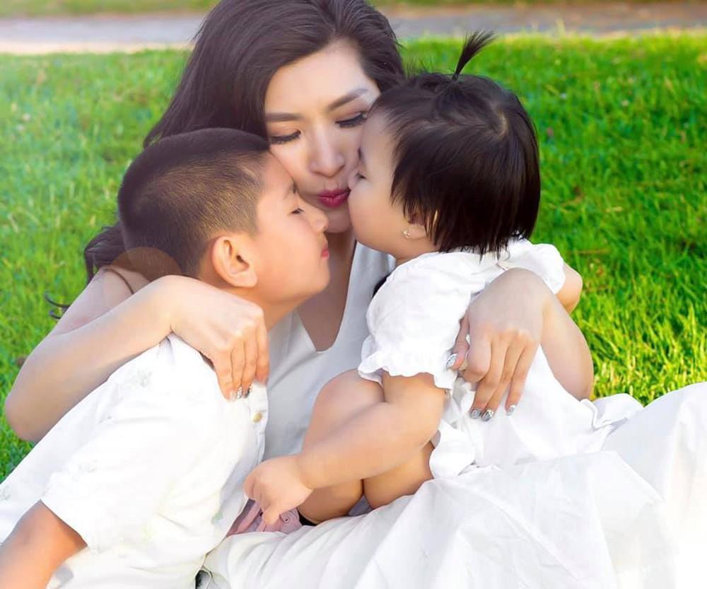 Hồng Nhung: Có con với chồng cũ và bạn trai cũ nhưng vẫn chia tay, sợ mặc áo cưới - Ảnh 1.