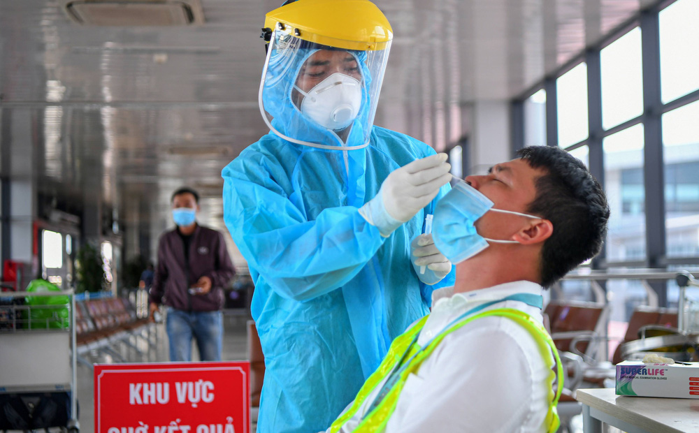 Chiều 27/7, Hà Nội phát hiện thêm 21 ca dương tính SARS-CoV-2, tổng 76 ca trong ngày