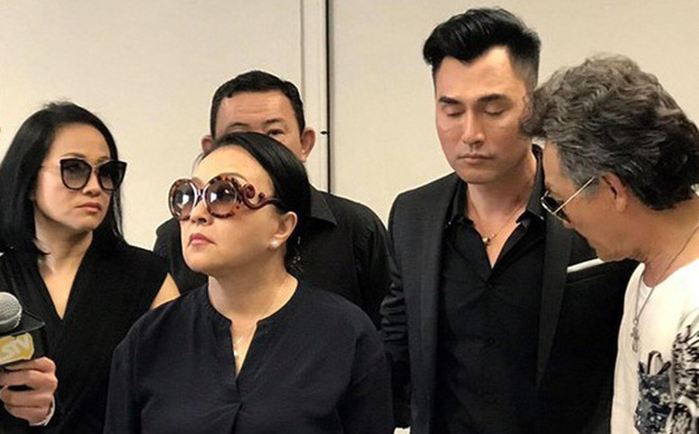 Leon Vũ không hát được tiếng Việt, Hương Lan bắt cầm bản nhạc đọc đi đọc lại