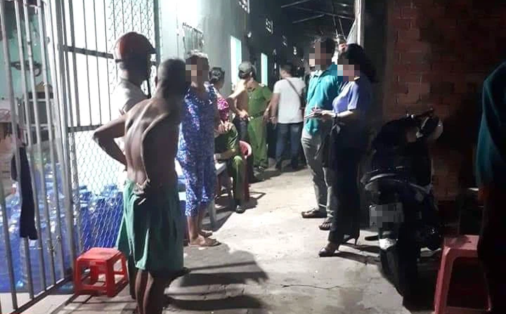 Giết thiếu nữ cùng xóm trọ bằng 17 nhát dao, giấu xác trong nhà vệ sinh rồi đóng cửa bỏ trốn