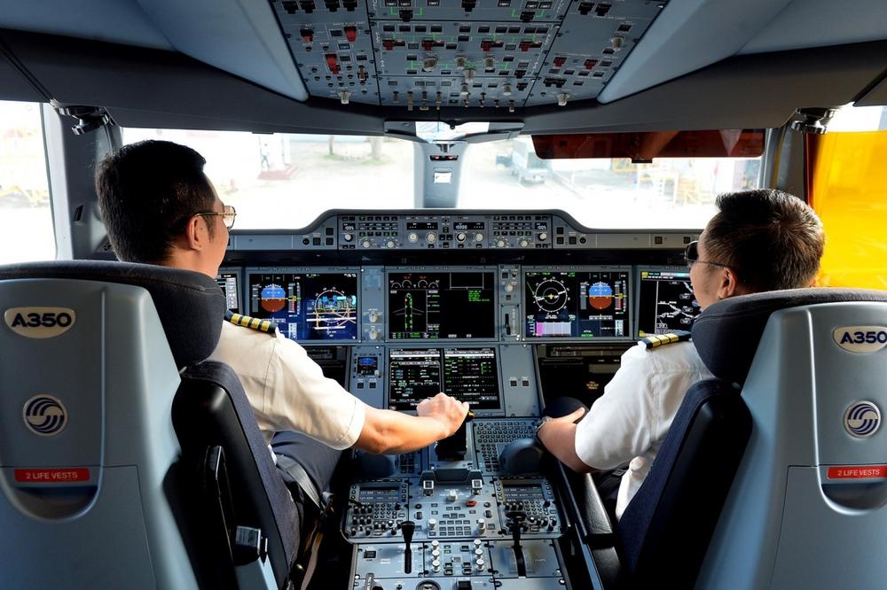 Lãnh đạo Vietnam Airlines nhận lương bao nhiêu trong 6 tháng đầu năm? - Ảnh 2.