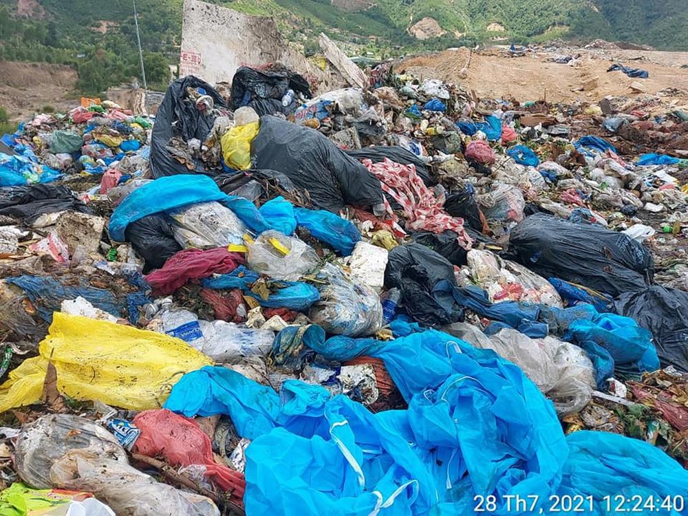 Nóng: Đà Nẵng phát hiện vụ trộn rác thải phòng chống Covid-19 vào rác thải sinh hoạt - Ảnh 1.