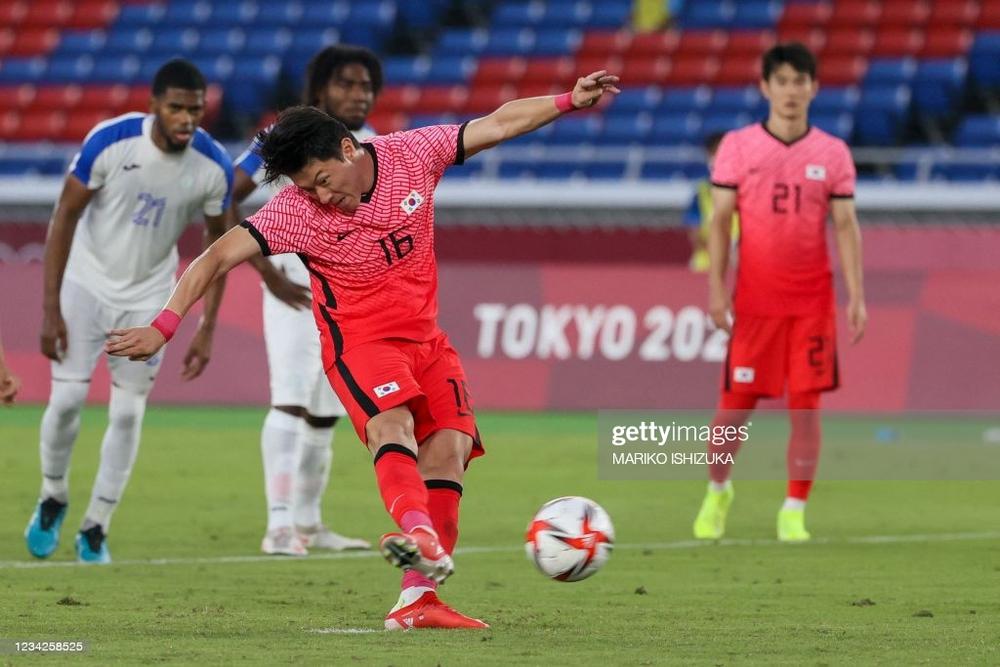 Bóng đá Olympic: Hàn Quốc đè bẹp đội Bắc Mỹ, hoàn tất màn ngược dòng hủy diệt ở bảng B - Ảnh 2.