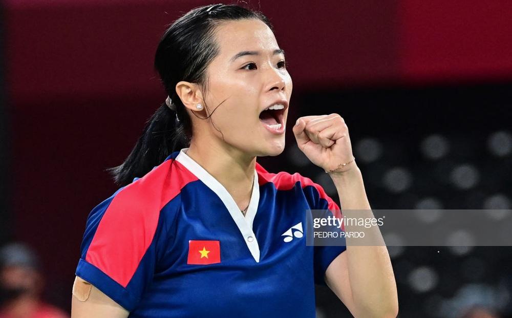 Hạ đối thủ số 1 Thụy Sĩ, hot girl cầu lông Việt Nam đi vào lịch sử ngay lần đầu dự Olympic