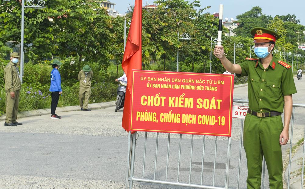 CA Hà Nội: Tháo chốt chắn tại nhiều tuyến đường, phố chính, chỉ chốt ở khu có F0