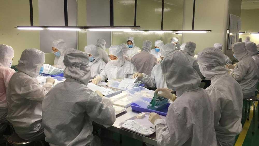 Công bố hiệu quả của test nhanh kháng nguyên do Việt Nam sản xuất - Ảnh 1.
