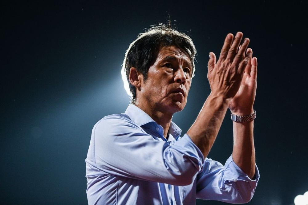 NÓNG: Như lời đồn, HLV Nishino bị sa thải, bóng đá Thái Lan rơi vào xáo trộn nghiêm trọng - Ảnh 2.